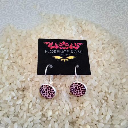 Cabochon Lever earrings