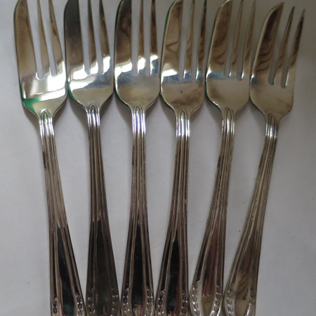 Cake forks x 6