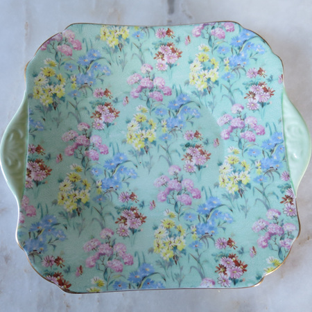 Cake plate in Melody pattern