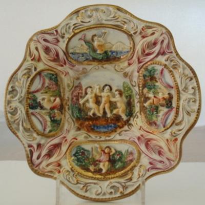 Capodimonte relief plate