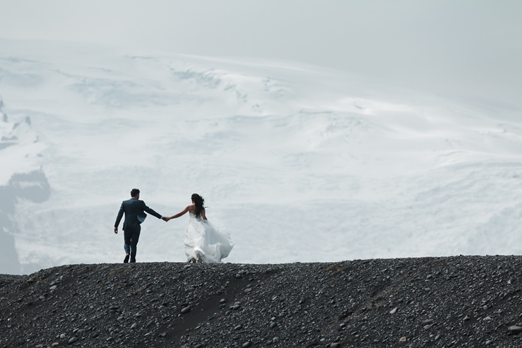Carl and Evelyn wedding photography in Iceland