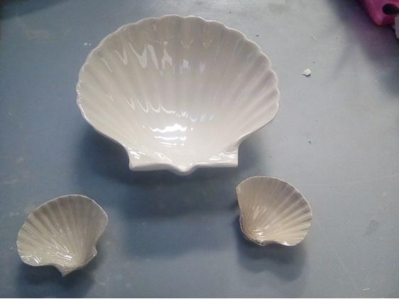 Ceramic Scallop Dish