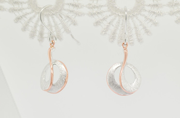 Charmer earrings