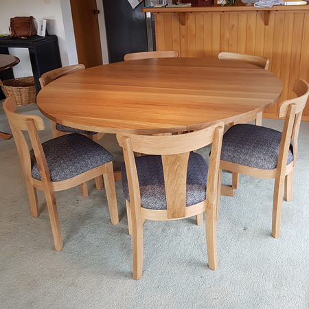 Charters Round Dining Table - Oak
