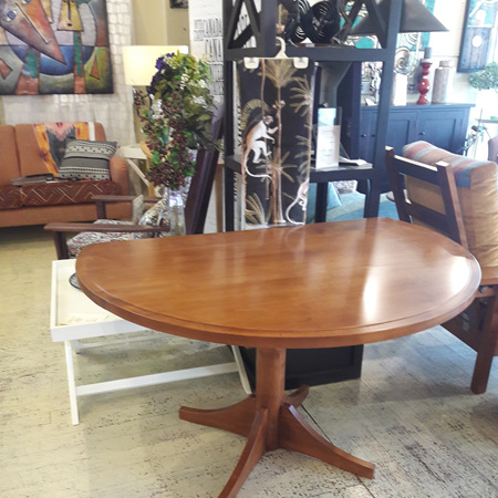 Charters Round Dining Table - With Drop Down Leaves