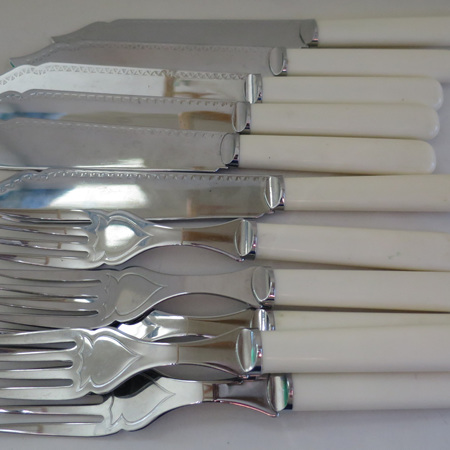 Chrome plated fish set