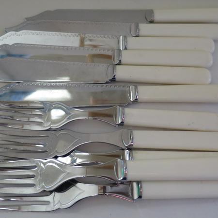Chrome plated fish set