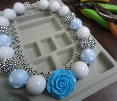 Chunky Flower and Rhinestone Necklace Party