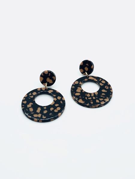 Circle Resin Earrings - Black & Tan