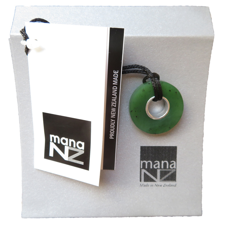 CKA964 NZ Greenstone Doughnut Pendant with envelope gift packaging