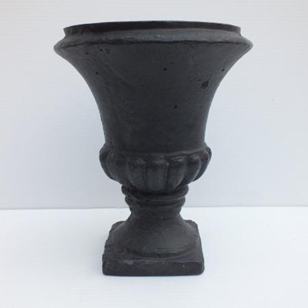 Classic black urn C0454