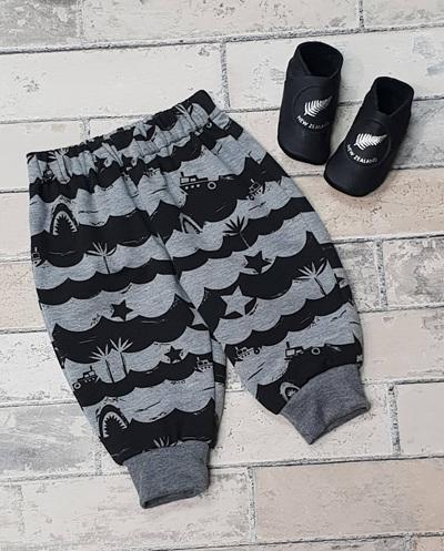Cody Pants - Grey w/ Black waves
