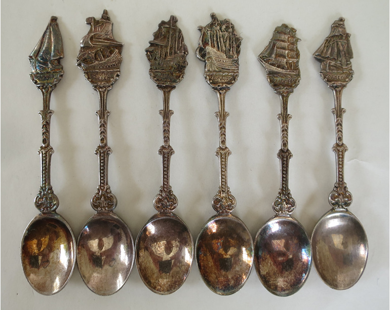 Collectable spoons Dutch ships