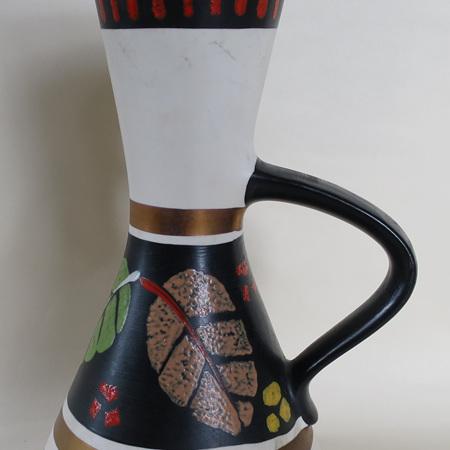 Colouful leaves vase