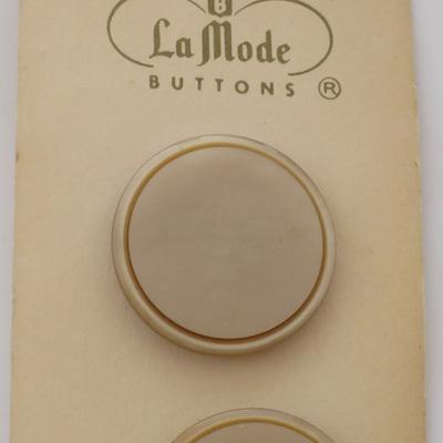 Cream buttons