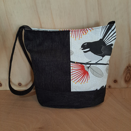Cream Fantail Black Bucket Bag