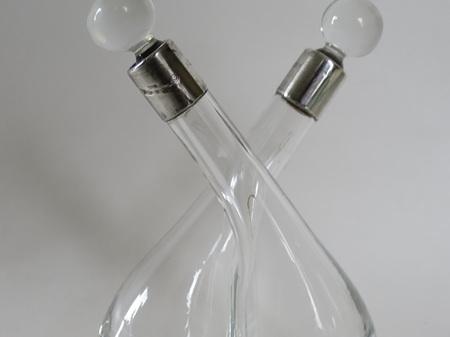 Cross over oil and vinegar