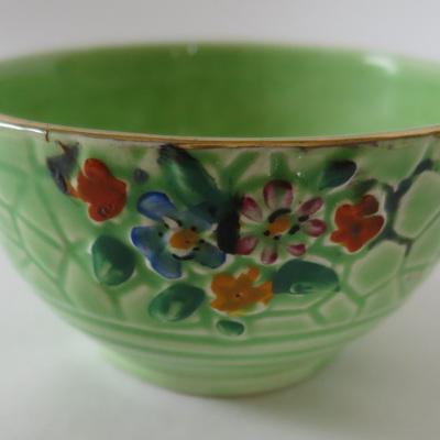 Little textured green bowl
