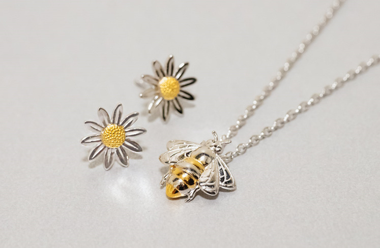 Daisy Earrings and Bee Pendant crafted in Sterling Silver and Yellow Gold