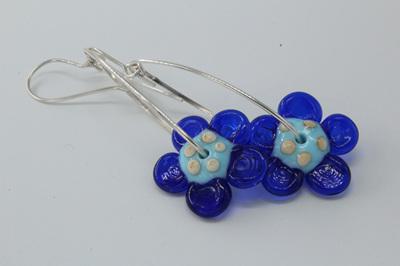 Dangle flower earrings - pale blue/cobalt