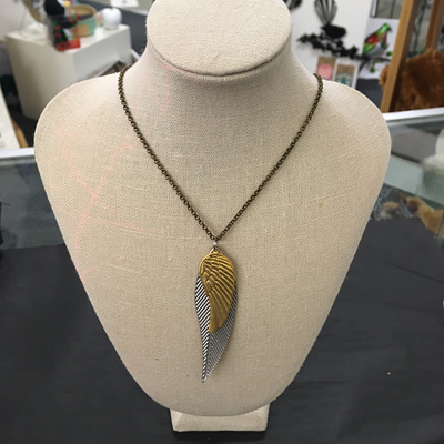 Danielle Wings, Leaf necklace
