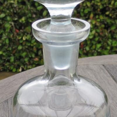 Thick glass bottom decanter
