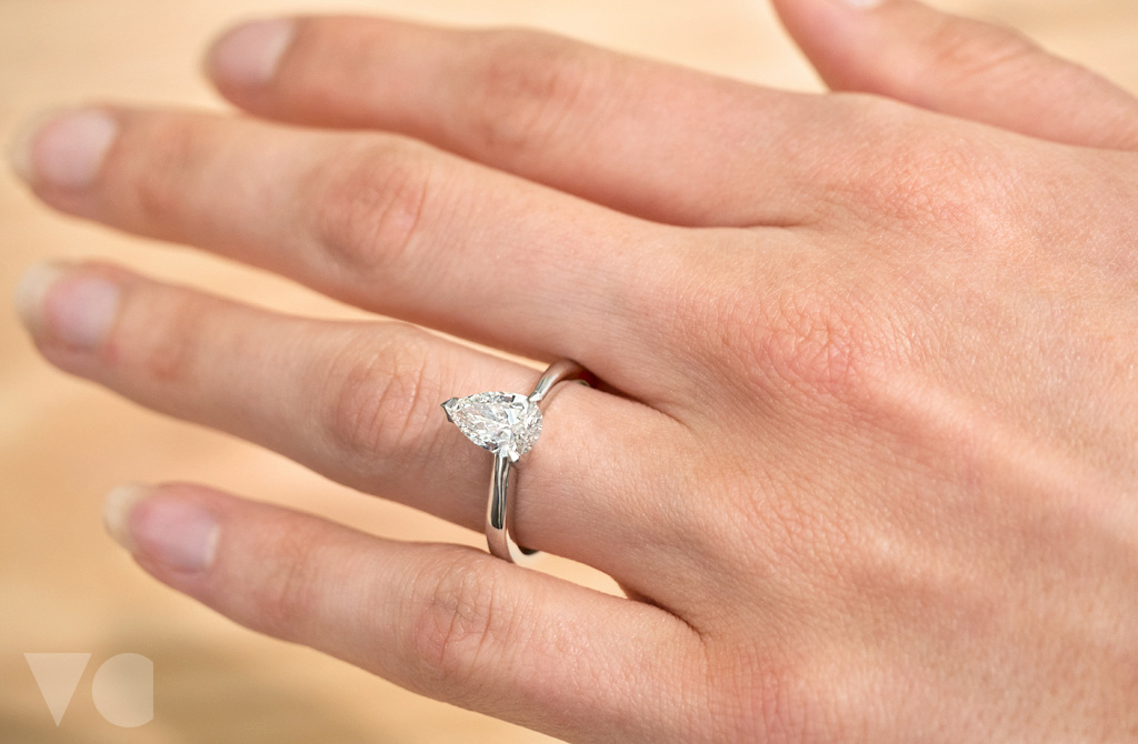 jewellery proposal solitaire carat diamond heng ring poh