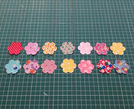 Die Cut 30's Small Flowers (12 Pack)