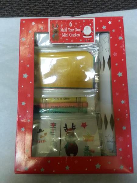 DIY 6 Make your own mini crackers - kids