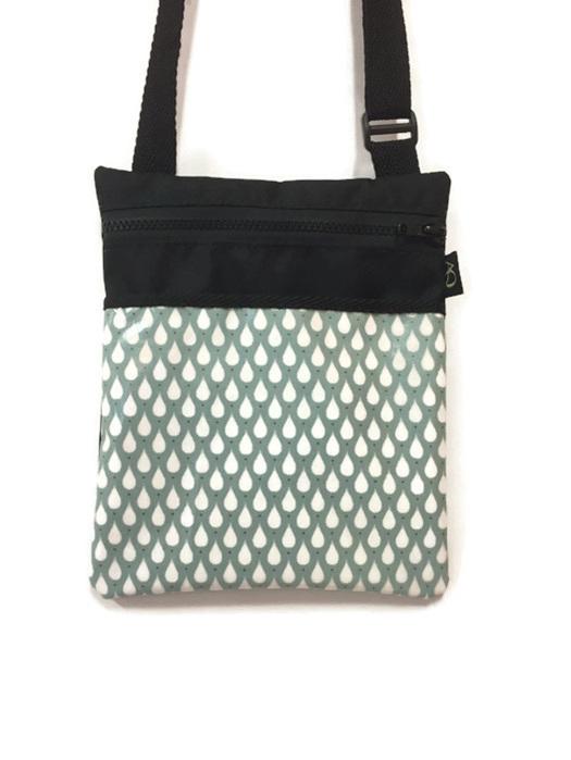 Dory handbag in laminated fabric of raindrops
