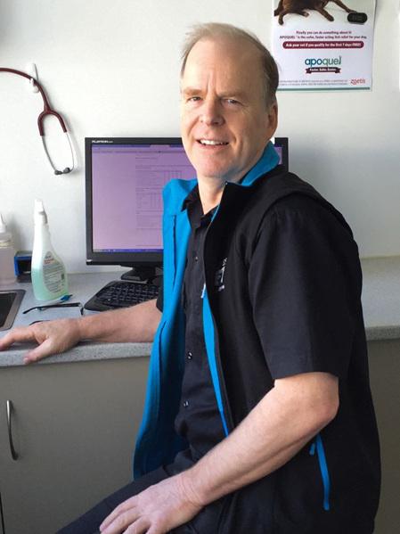 Dr Peter McQueen BVSc (dist)