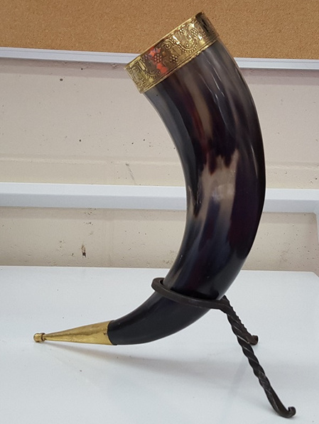 Drinking Horn Type 26 - Brass Rim/Etched Grape Vine and Brass Finial