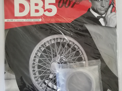 Eaglemoss 1/8 James Bond DB5 Weekly Magazine Issue 21