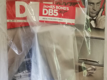Eaglemoss 1/8 James Bond DB5 Weekly Magazine Issue 13