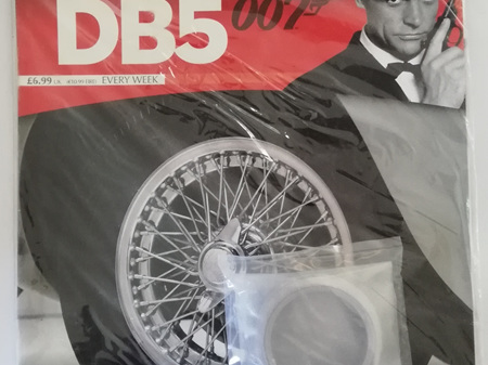Eaglemoss 1/8 James Bond DB5 Weekly Magazine Issue 21