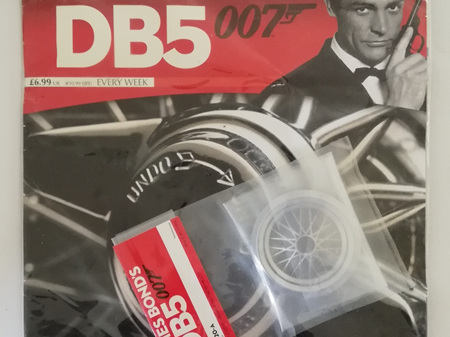 Eaglemoss 1/8 James Bond DB5 Weekly Magazine Issue 20