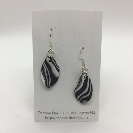 Earrings - Twist - Black & White
