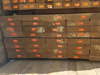 Earthen Radiata Exterior H4 Rough Sawn 200x50mm - 4.8m lengths