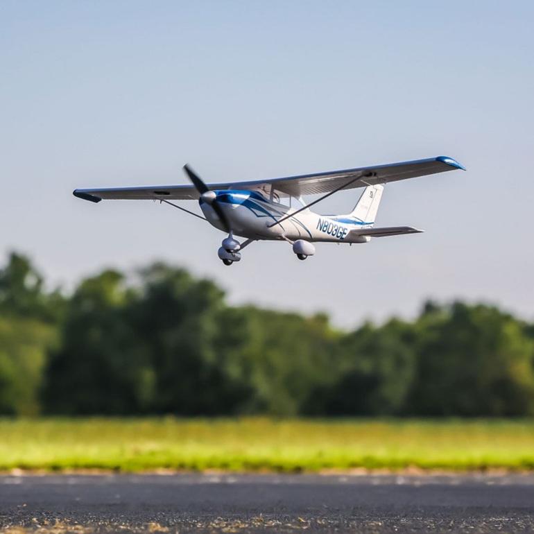 Eflite UMX Cessna 182 Bind-N-Fly With SAFE Select