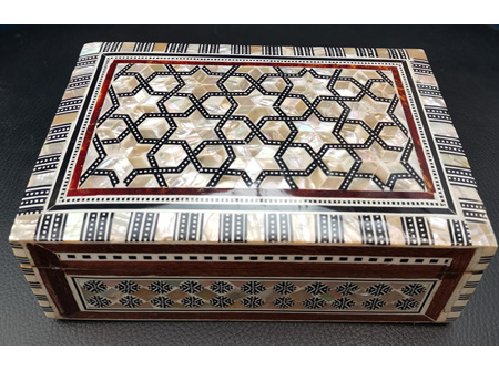 Egyptian mother of Pearl Box - Size: 5 x 3.5 x 2 cm