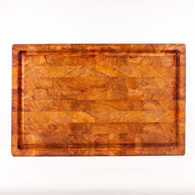 end grain chopping board - heart rimu - juice groove