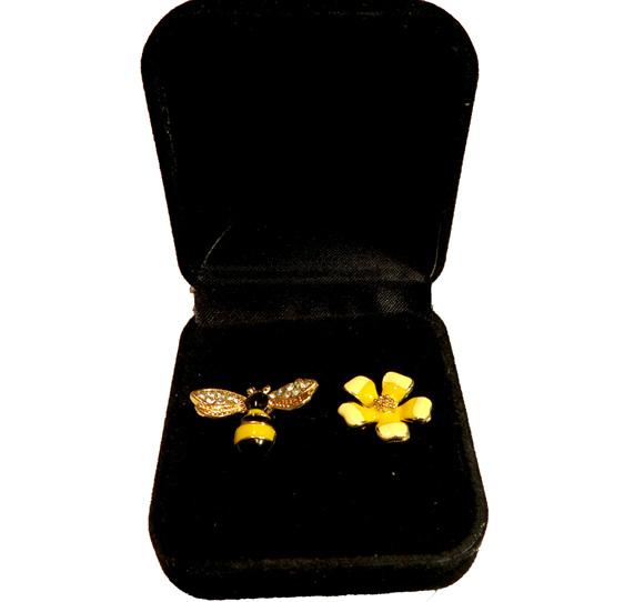 ER51 Bee and flower enamel stud earrings