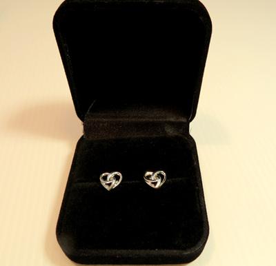 X46 Eternity Heart stud earrings