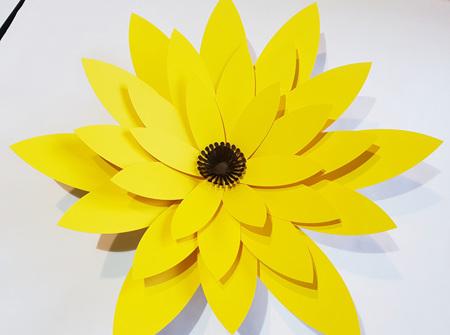 Extra Large Phoebe flower