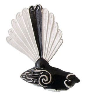 Fantail facing right 15cm