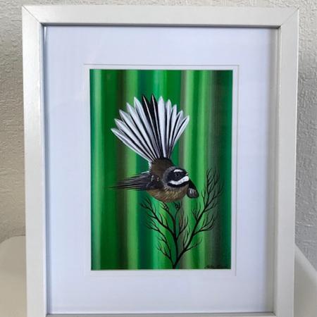 Fantail - Green- medium frame