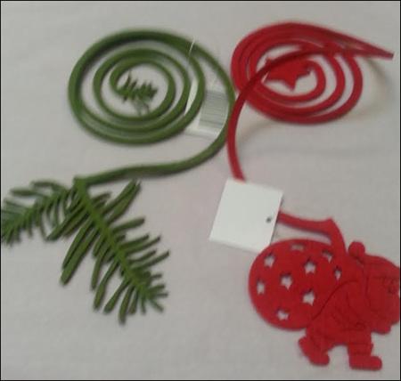 Felt swirly decorations -santa or fern