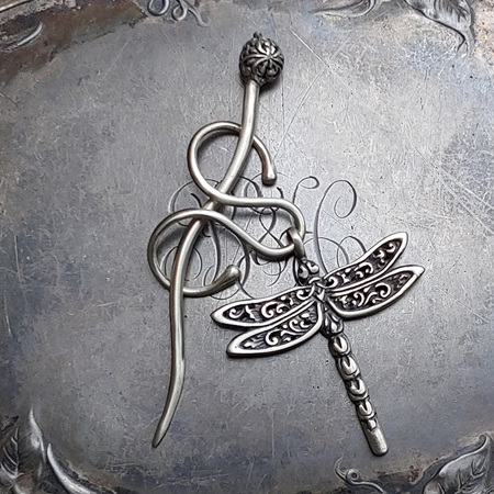 Filigree Dragonfly Charm Lock Shawl Pin