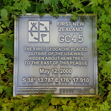 """First New Zealand"" Tribute Plaque Geocoin"