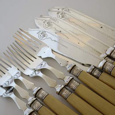 Fish knives and forks
